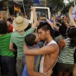 Un Kiss-In en Espagne empêché par la police